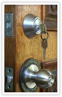 homelss-main-door